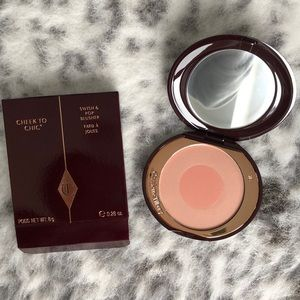 Charlotte Tilbury Makeup - Charlotte Tilbury Cheek to Chic Blush
